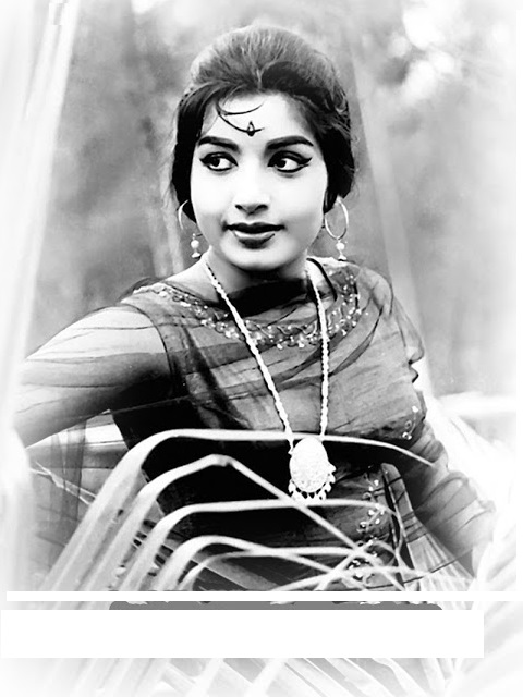 http://jayalalithachildhood.blogspot.in/2013/10/jayalalitha-adulthood-photos.html